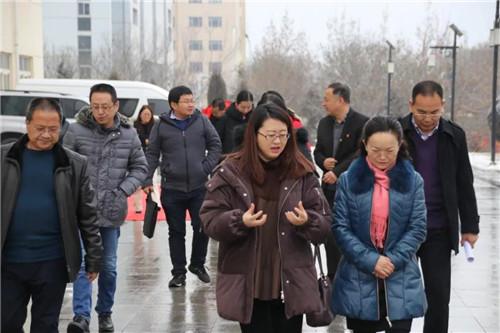 青海省人大法制委副主任委员袁玲一行莅临金诃藏药调研